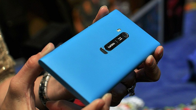 How to download whatsapp on nokia lumia 900