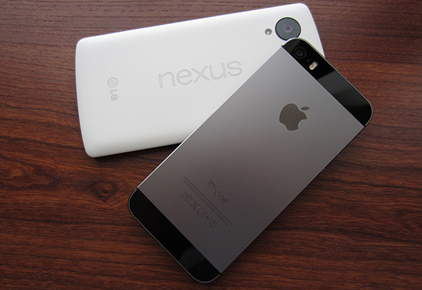 Body Built Comparison of Apple iPhone 5S vs Google Nexus 5