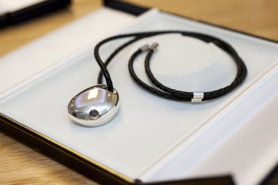 csr-bluetooth-smart-jewelry-qtooth-1 (1)