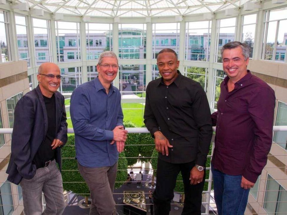 Apple buys Beats