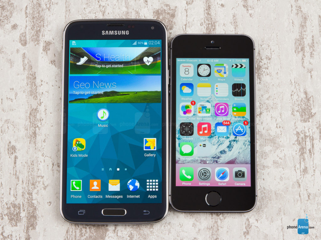 Samsung-Galaxy-S5-vs-Apple-iPhone-5s-01