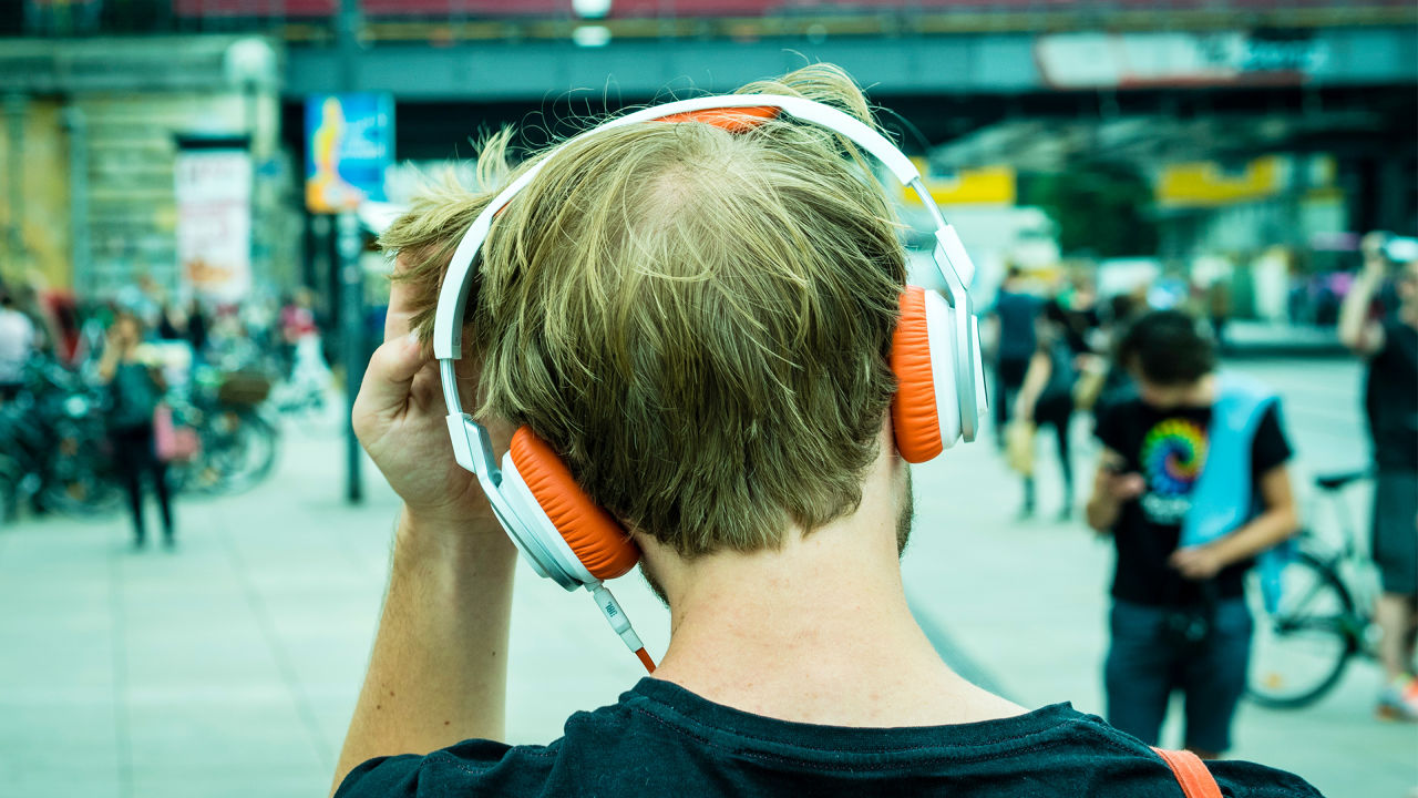 music streaming industry growth 2015-2016