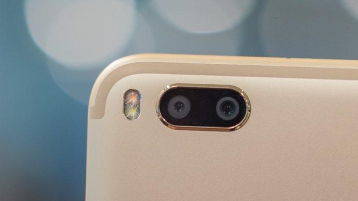 dual camera smartphones shipments india
