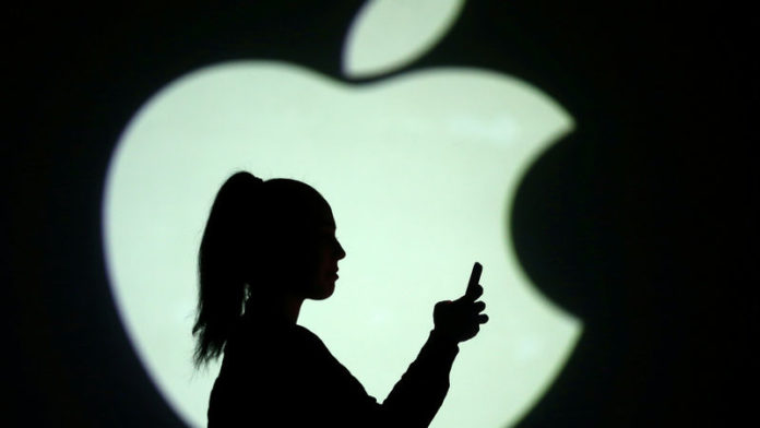 iphone users apple lawsuit