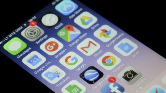 iOS apps leaking users info to facebook